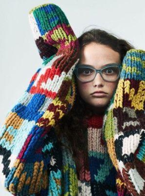 Teen Vogue Prada Mira Mikati, F/W 2017 Via The post Intricate Intarsias appeared first on knitGrandeur