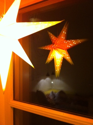 the mandatory orange christmas star in the window, aviajaspace