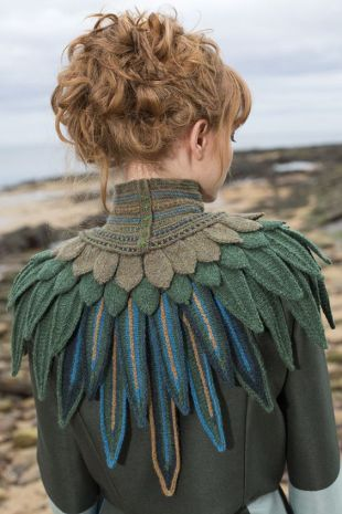 Lapwing Hybrid Collar hand knitting design from Glamourie by Alice Starmore